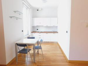 Fratelli Asquasciati 53 Apartments Sanremo - 021 - AbcAlberghi.com