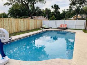 Enjoy Pool Home Near Theme Parks Airport 15mins 4BR