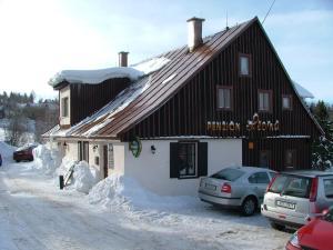 Guest House Leona - Hotel - Korenov
