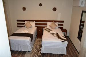 Chobe Sunset Chalets, Affittacamere  Lesoma - big - 14