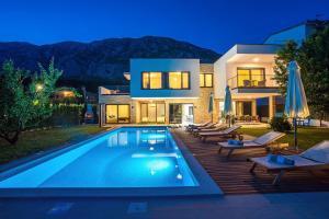 Villa Agava with heated pool, Jacuzzi, sauna, gym, 4 en-suite bedrooms