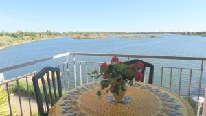 obrázek - P2 Cabine 6 couchages, Résidence avec piscine, magnifique vue sur lac, Parking et ascenseur
