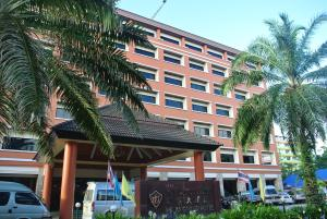J-da Hotel Dannok 555/5 ,Moo 7,Kanjanawanit Raod, Samnakkham,Sa dao