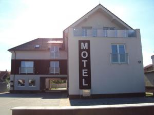 Motel Senec