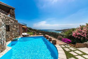 Porto Cervo Swimming Pool Villa R&R - AbcAlberghi.com