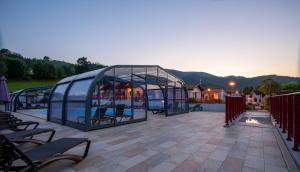 Location gîte, chambres d'hotes Domaine Chalets Larlapean dans le département Pyrénées Atlantiques 64