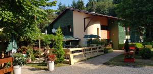 Accommodation in Cours la Ville