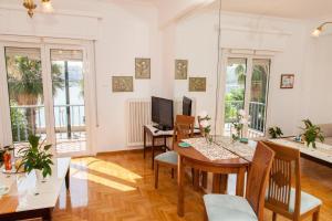 obrázek - Piraeus Stylish Sea View Apartment!