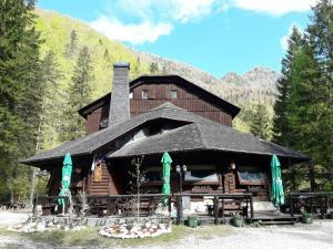 Dom planincev v Logarski dolini