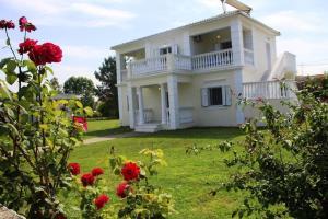 obrázek - Sissy's Rose Garden Apartment(1st floor)