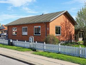 Two-Bedroom Holiday home in Ålbæk 1