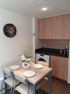 Mini Loft Daval, Apartments  Paris - big - 3