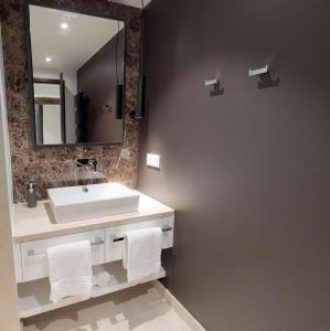 White Pearl Apartment 210