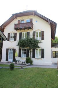 Villa Waldfrieden - Ferienwohnungen und -Haus - Benediktbeuern