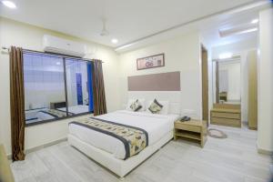 . Hotel Pal Residency