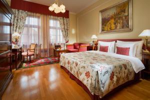 Golden Well Hotel (16 of 49)
