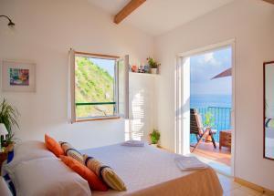 La Marinarooms suite with sea view terrace - AbcAlberghi.com