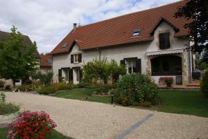 Location gîte, chambres d'hotes Chambres d'Hôtes Domaine d'Augy dans le département Cher 18