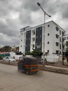Shri Gurudev Hostel