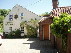 The Old Forge Seafood Restaurant and Bed and Breakfast - Kettlestone