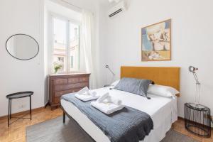 David LaChapelle Colosseum Apartment - abcRoma.com