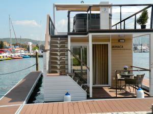 Plavajoča hiška Bonaca