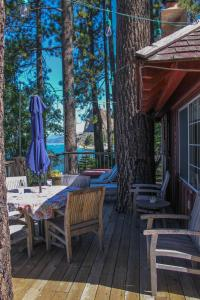 A Part Of Tahoe History, Original Lake Front Red Cabin (Zc1298) Cabin - Hotel - Glenbrook