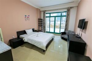 Large Master Room For Girls In Marina 403.5 - Dubai