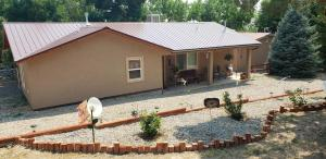 Grizzly Roadhouse Bed and Breakfast - Apartment - Cortez