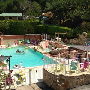 Location gîte, chambres d'hotes Camping les Roches dans le département Ardèche 7