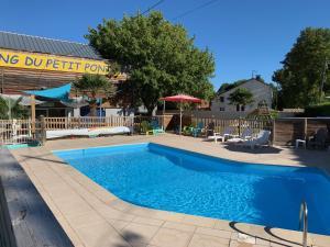 Location gîte, chambres d'hotes Team Holiday - Camping du Petit Pont dans le département Charente maritime 17