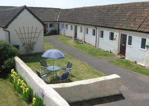 Court Farm Holiday Bungalows Ltd - West Quantoxhead