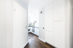 PANORAMA Downtown Apartment by PinPoint