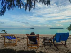 Angthong Beach Resort, Koh Phaluai