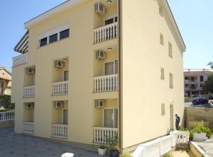 Guesthouse Villa Adria, Penziony  Malinska - big - 20