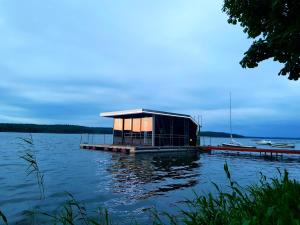 Domy na wodzie Charzykowy