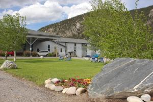 Whitewater Inn - Hotel - Big Sky