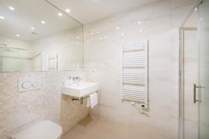 Lyra luxury studios, Apartmány  Split - big - 11