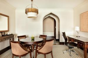 Shangri-La Hotel Qaryat Al Beri (11 of 66)