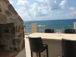 Beach Villa Pantheon, Vily  Pomos - big - 41