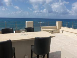 Beach Villa Pantheon, Vily  Pomos - big - 42