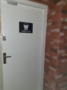 Happy Cat Apartment