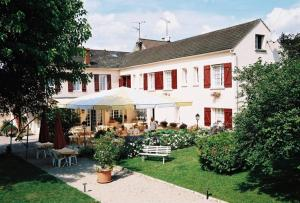 Hôtel Les Fleurs, Отели  Pontaubert - big - 28