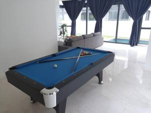 KL Semi D with Private Swimming Pool & Rooftop Garden