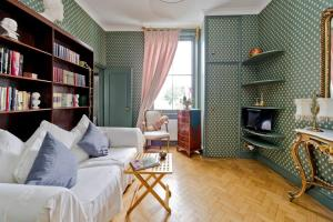 Fabulous Studio Apartment in the heart of Chelsea, Ferienwohnungen - London