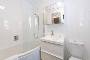 Fabulous Studio Apartment in the heart of Chelsea, Apartmanok  London - big - 6