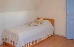 Three-Bedroom Holiday Home in Montfaucon