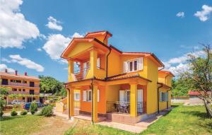 Three-Bedroom Apartment in Labin