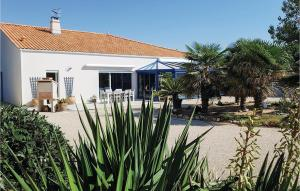 Two Bedroom Holiday Home in lAiguillon sur Mer I 2