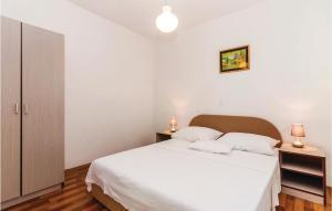 ThreeBedroom Apartment in Rovanjska